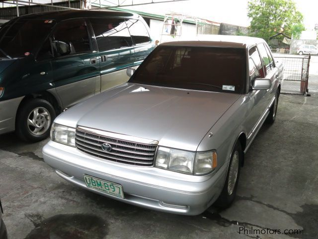 Used toyota crown super saloon 1995 crown super saloon for Crown motors used cars