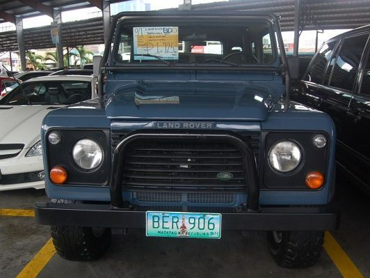 Land Rover Defenderin Philippines