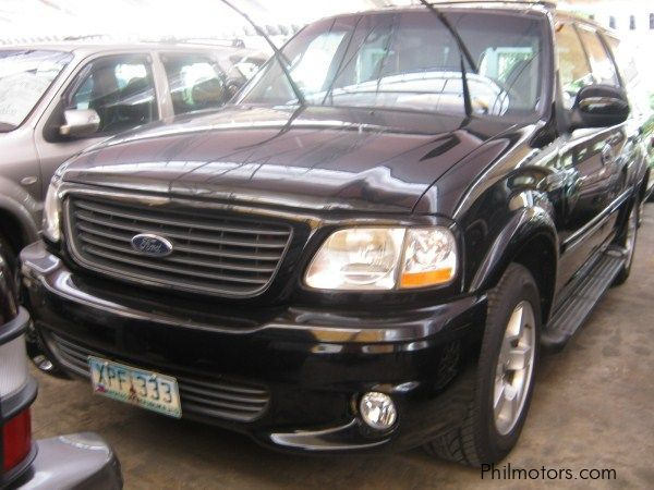 Used ford expedition svt 2002 expedition svt for sale for Phil long ford used cars motor city