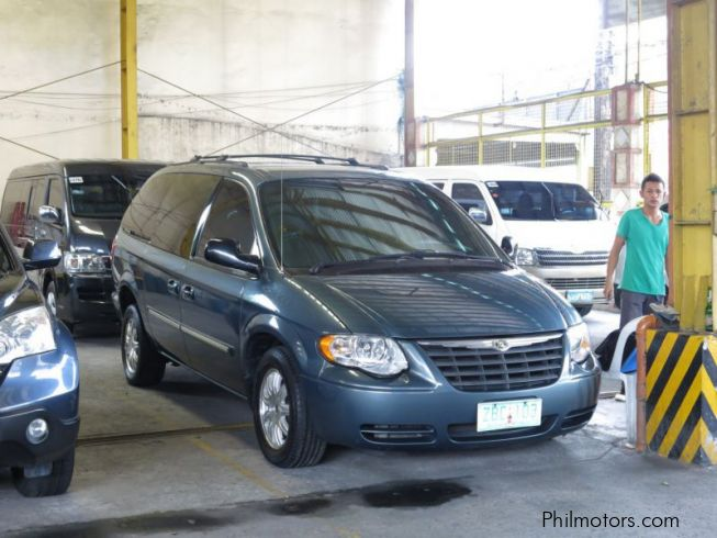 used chrysler town country 2005 town country for sale quezon city chrysler town. Black Bedroom Furniture Sets. Home Design Ideas