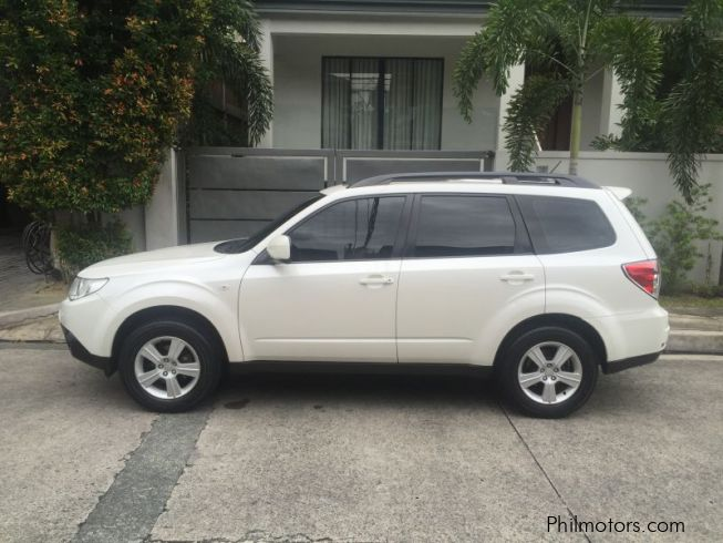 used subaru forester 2 0x pearl white 2010 forester 2 0x pearl white for sale quezon city. Black Bedroom Furniture Sets. Home Design Ideas
