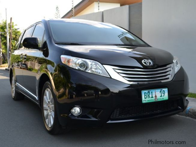 used toyota sienna 2011 sienna for sale quezon city toyota sienna sales toyota sienna. Black Bedroom Furniture Sets. Home Design Ideas