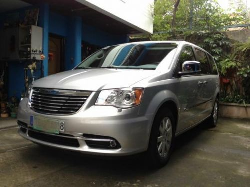 used chrysler town and country limited 2012 town and country limited for sale quezon city. Black Bedroom Furniture Sets. Home Design Ideas
