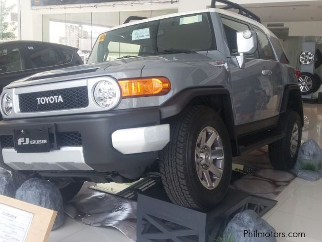 new toyota toyota fj cruiser 2016 toyota fj cruiser for. Black Bedroom Furniture Sets. Home Design Ideas