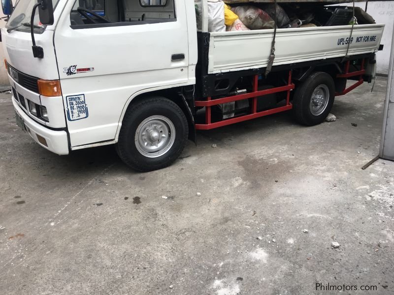 Isuzu Elf Dropside in Philippines