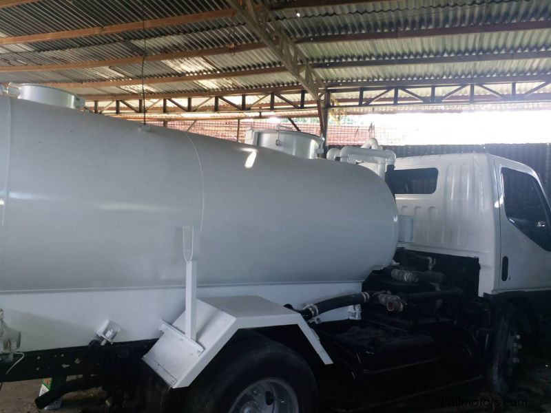 Used Mitsubishi Canter 4M51 Water Tanker | 2000 Canter 4M51