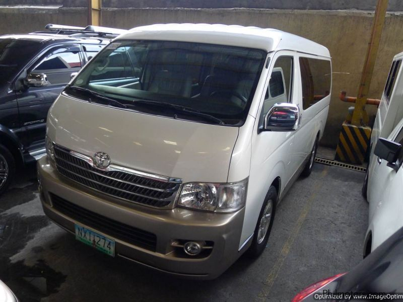 解説 Toyota Hiace (fifth generation) (Grand Cabin) (front), Kuala ...