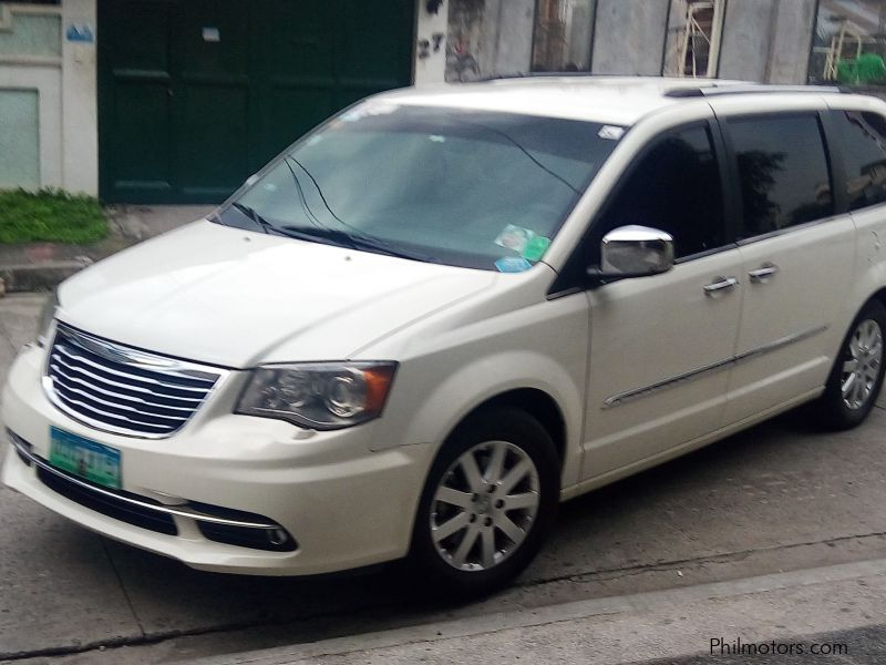 used chrysler town and country 2012 town and country for sale quezon city chrysler town and. Black Bedroom Furniture Sets. Home Design Ideas