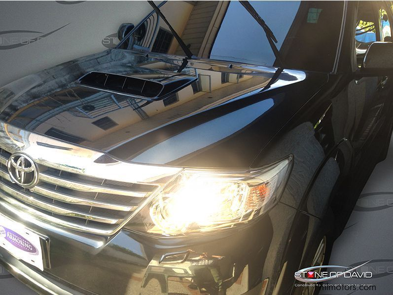 2015 Range Rover Price >> Used Toyota Fortuner 4X4 BULLETPROOF | 2012 Fortuner 4X4 ...