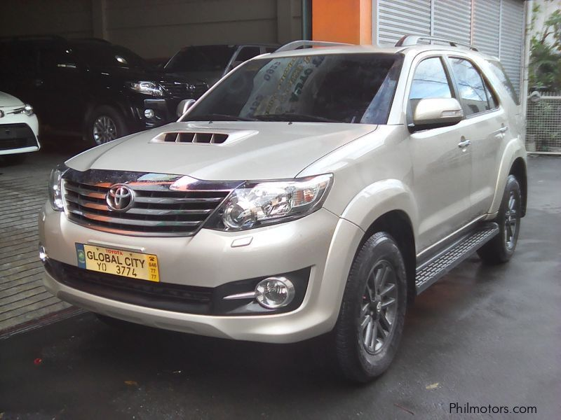 used toyota toyota fortuner 2 5 v 4x2 diesel automatic. Black Bedroom Furniture Sets. Home Design Ideas