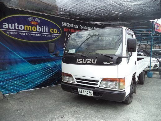 Pre-owned Isuzu ELF for sale in Paranaque City