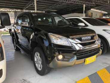 Pre-owned Isuzu MUX for sale in