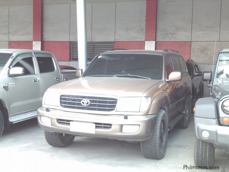Pre-owned Toyota Land Cruiser for sale in Pampanga