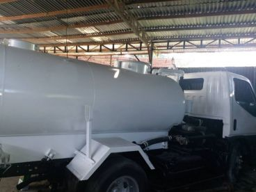 Pre-owned Mitsubishi Canter Recon 4M51 Water Tanker  for sale in