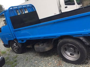 Pre-owned Mitsubishi Canter 4D33 Cargo Dropside 10FT  for sale in