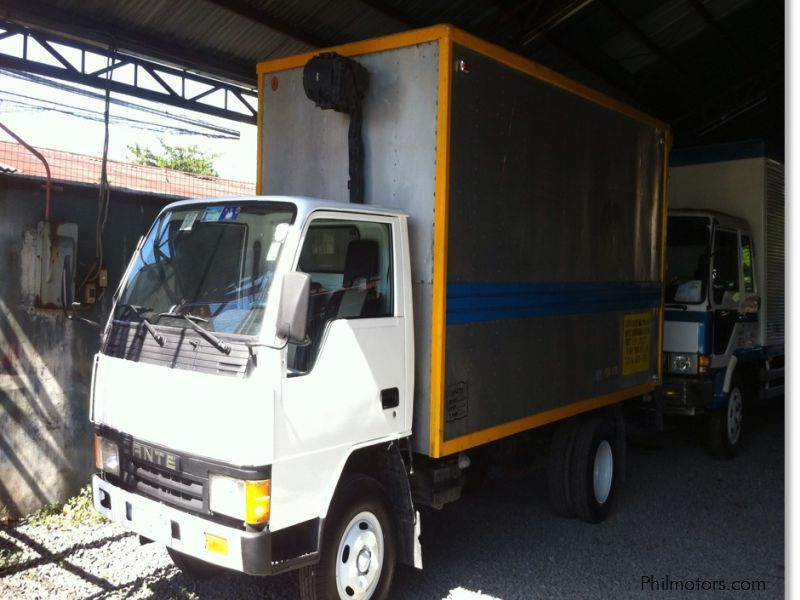 Used Mitsubishi Canter Aluminium Van in Cavite