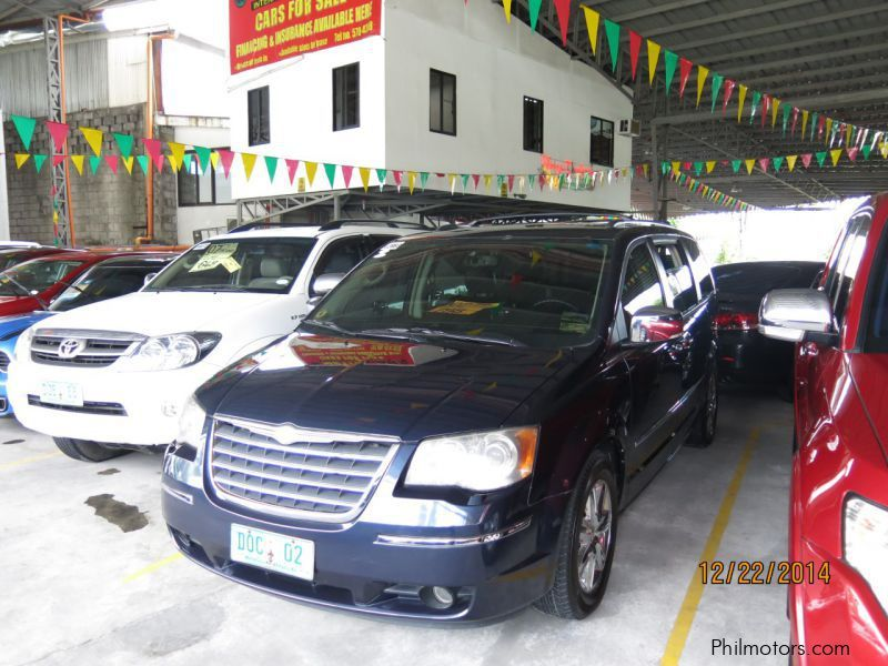 Used Chrysler Town and Country for sale in Pasig City