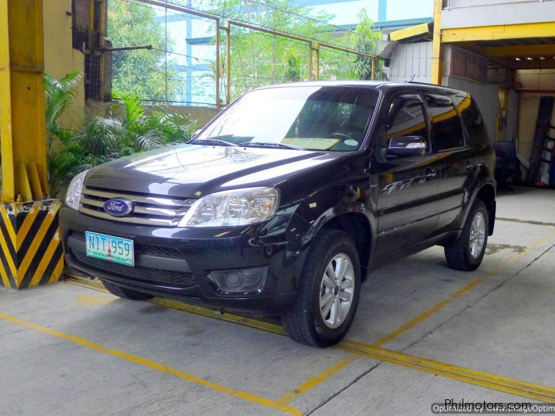 Pre-owned Ford Escape XLS for sale in Quezon City