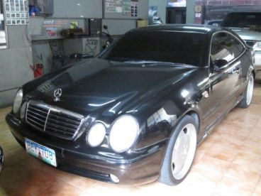 Pre-owned Mercedes-Benz CLK 320 for sale in