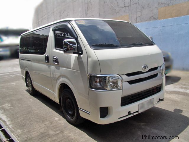 Pre-owned Toyota Hiace Commuter for sale in Cebu