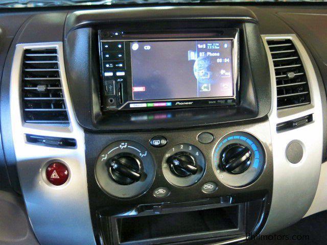 2010 mitsubishi montero sport diesel car photos automatic transmissions 67000 km milage