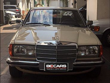 Pre-owned Mercedes-Benz 230ce for sale in