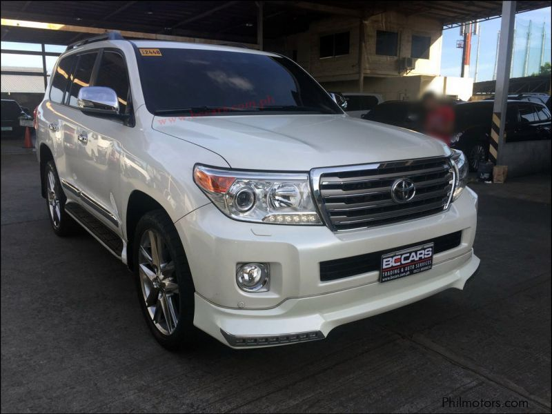 Pre-owned Toyota lc200 for sale in Pasig City