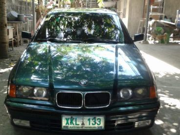 Pre-owned BMW 320 i for sale in