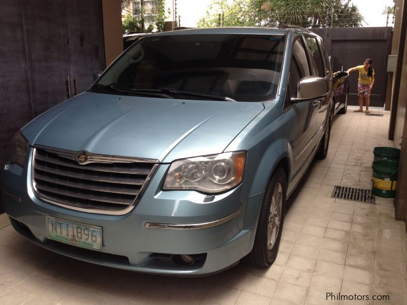 Used Chrysler Town & Country for sale in Paranaque City