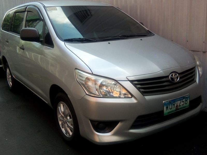 Used Toyota Toyota Innova 2.5 E manual diesel 2014 for sale in Manila