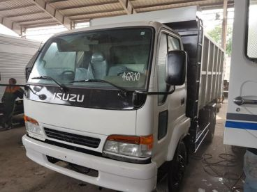 Pre-owned Isuzu Dump Truck FORWARD NRR for sale in