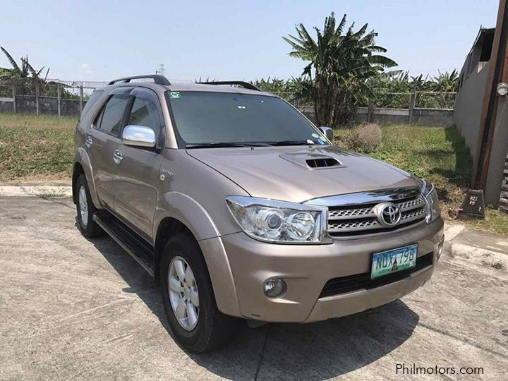Pre-owned Toyota Fortuner V for sale in Countrywide