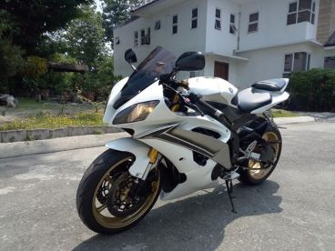 Pre-owned Yamaha YZF-R6 for sale in