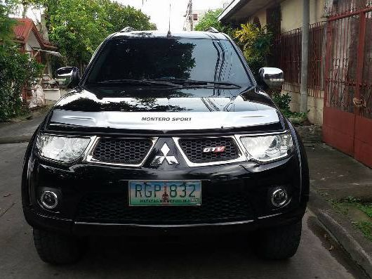 Pre-owned Mitsubishi Montero Sport GTV for sale in Countrywide