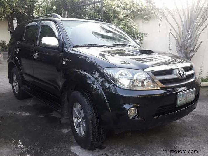 Used Toyota Fortuner V for sale in Makati City