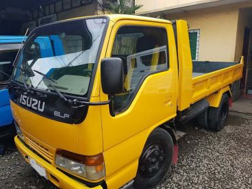Pre-owned Isuzu Elf for sale in