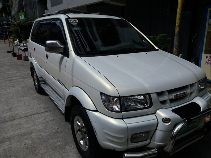 Used Isuzu Crosswind XUVI Limited for sale in Makati City