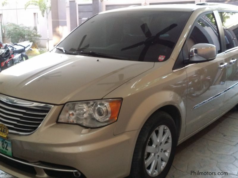 Used Chrysler Town and Country for sale in Taguig